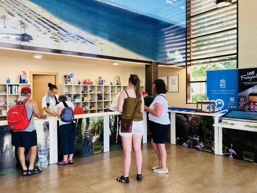 """Fuengirola Fuengirola La Oficina Municipal de Turismo de Fuengirola renueva por cuarta vez consecutiva la """"Q"""" de Calidad"""