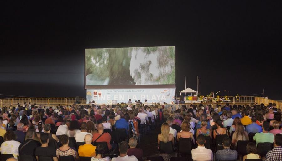 Torremolinos Torremolinos Vuelve el Cine de Verano a Torremolinos con doce películas y una gran pantalla al aire libre en Playamar