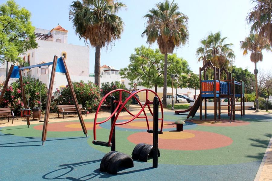 Estepona Estepona El Ayuntamiento de Estepona inicia un plan de actuaciones para mejorar una decena de parques infantiles