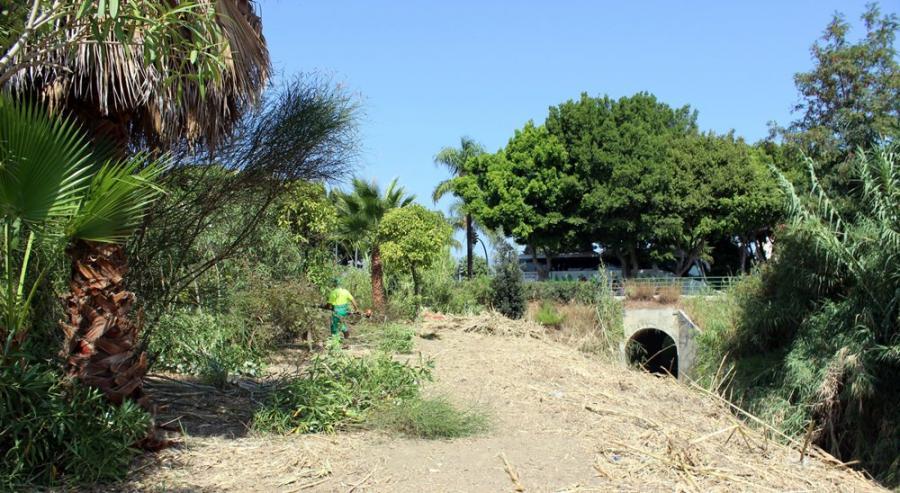 Estepona Estepona El Ayuntamiento de Estepona inicia los trabajos para recuperar un acueducto del siglo XIX en la playa del Ángel