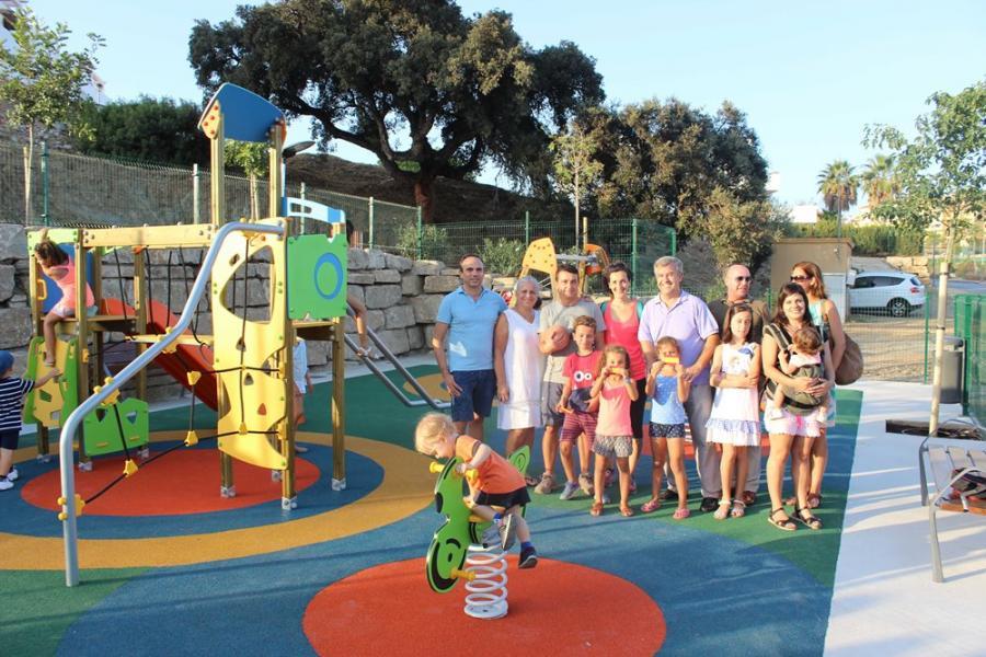 Estepona Estepona El Ayuntamiento de Estepona crea un área infantil y de ocio en calle Lima, en la zona de Arroyo de las Cañas