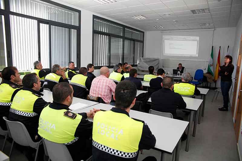 Mancomunidad Mancomunidad El departamento de Formación Continua de la Mancomunidad oferta una gran variedad de cursos del área de Seguridad Ciudadana y Protección Civil