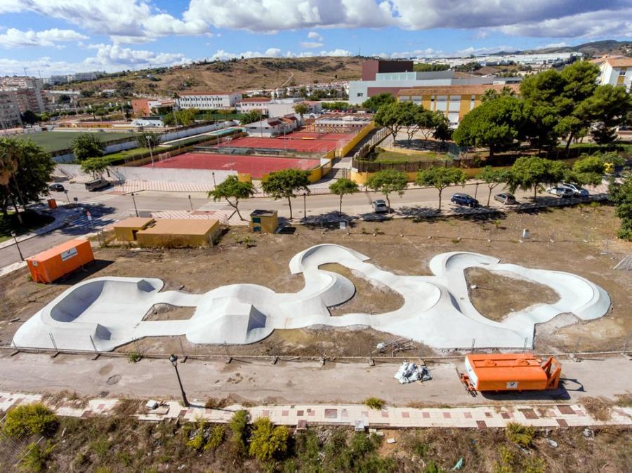 Estepona Estepona El Ayuntamiento de Estepona concluye la pista de pumptrack diseñada por el campeón mundial Rubén Alcántara