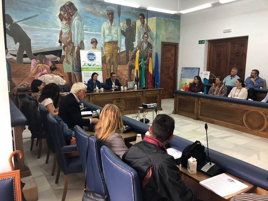 "Fuengirola Fuengirola Cuatro municipios se unen a un proyecto europeo ""Consume Less"" de la Diputación para promover un turismo más sostenible"