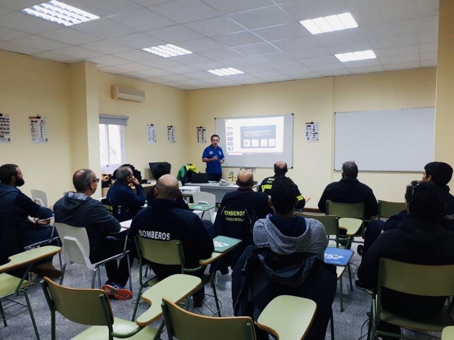Mancomunidad Mancomunidad Un total de 20 bomberos participan desde hoy en el curso de Apertura de Puertas de Viviendas en Situaciones de Emergencia en Fuengirola organizado por la Mancomunidad