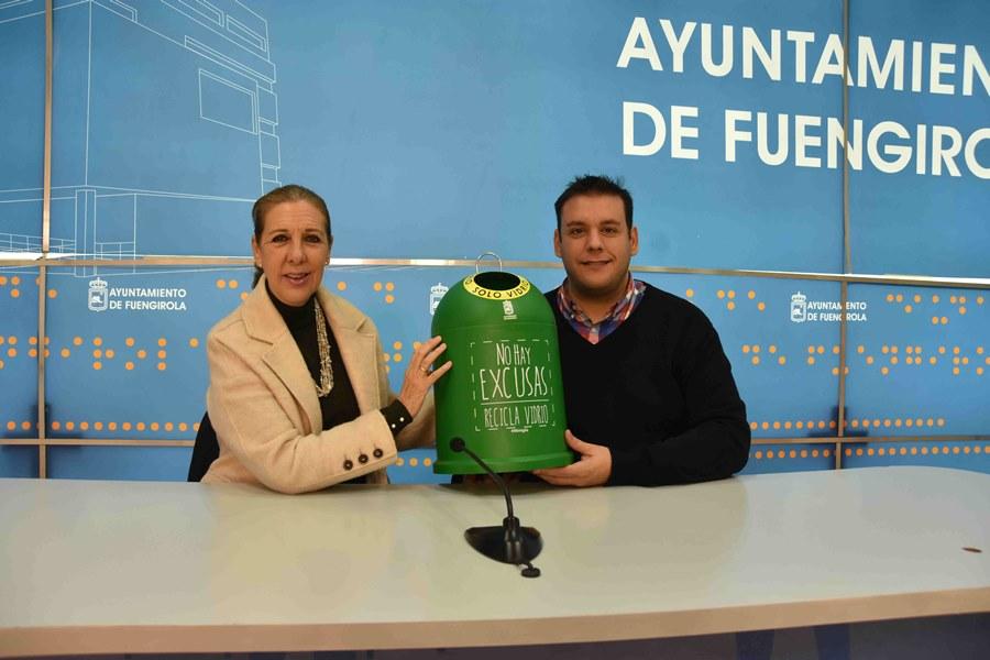 Fuengirola Fuengirola El Ayuntamiento de Fuengirola fomenta el reciclaje de vidrio en los hogares con el reparto de mini contenedores entre los vecinos