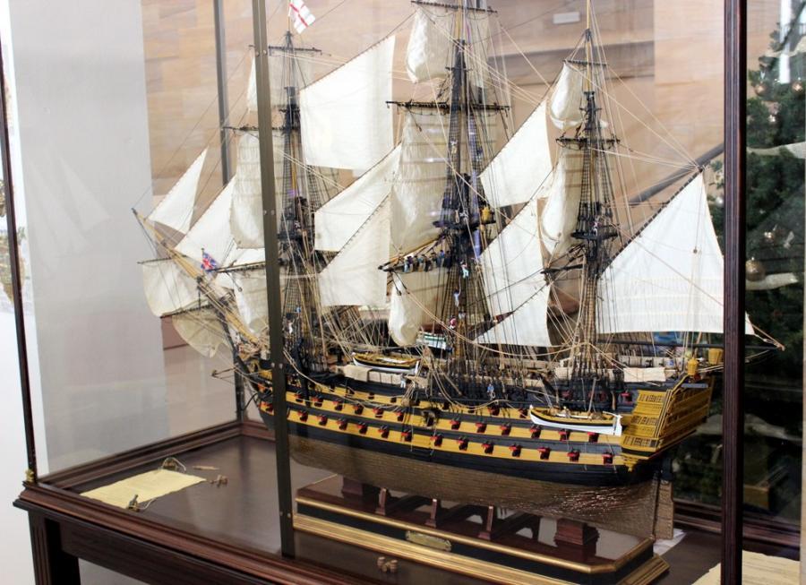 Estepona Estepona El Ayuntamiento de Estepona expone la maqueta de un navío de la batalla de Trafalgar concluida tras una década de trabajo