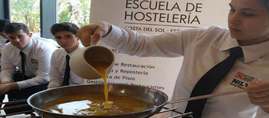 Estepona Estepona El Ayuntamiento de Estepona ofrece cinco becas de formación en la Escuela de Hostelería de Estepona