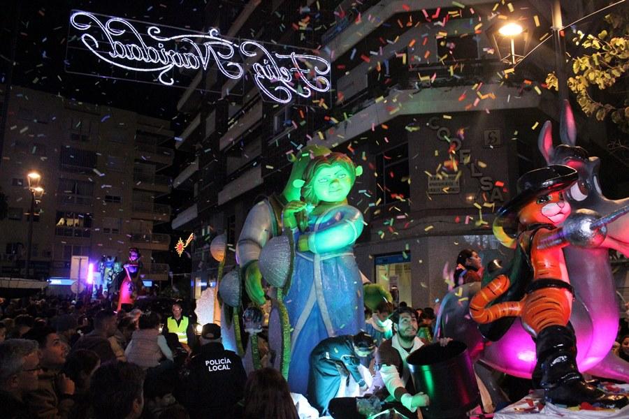 Estepona Estepona La cabalgata de Reyes Magos repartirá en Estepona 15.000 kilos de caramelos blandos y miles de juguetes
