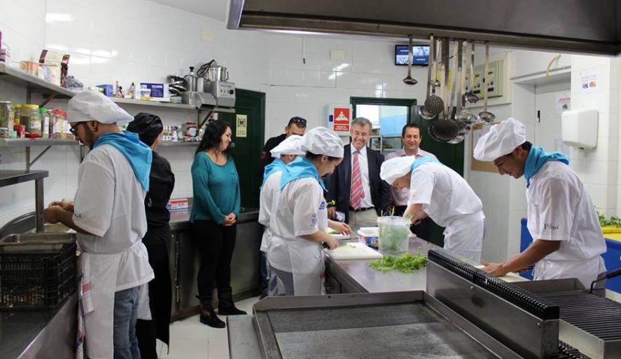 Estepona Estepona La Escuela de Hostelería abre el restaurante pedagógico para sus alumnos en el Palacio de Congresos de Estepona