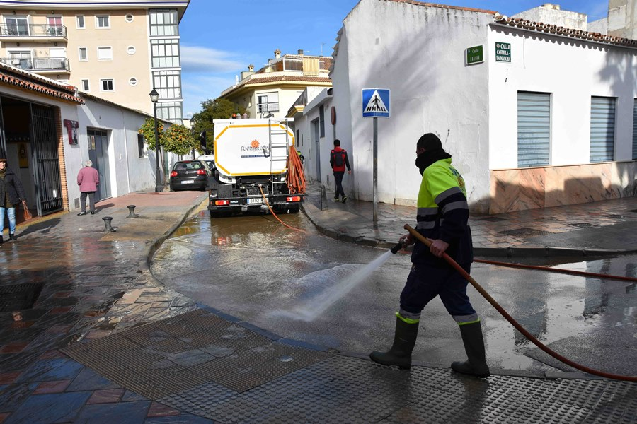 Fuengirola Fuengirola El Ayuntamiento de Fuengirola mejora el servicio de baldeo con la incorporación de un nuevo producto desengrasante
