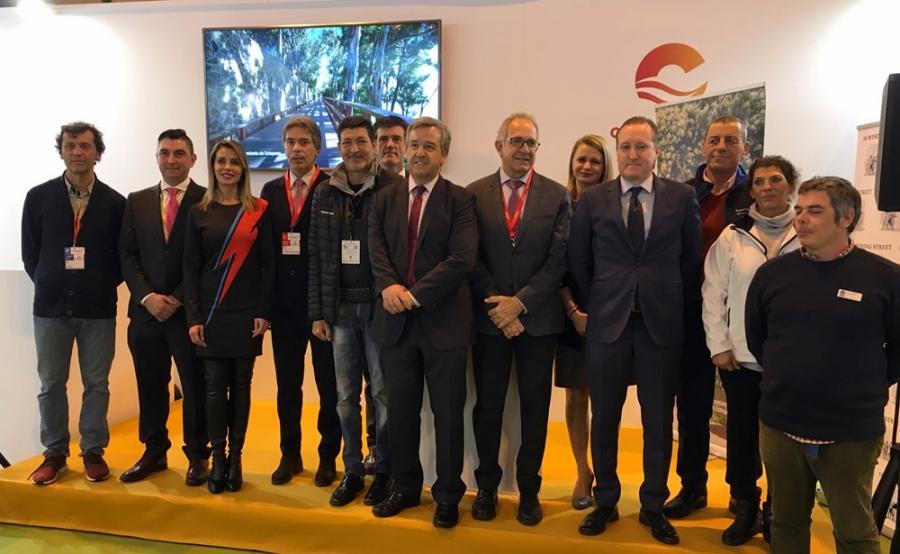 Estepona Estepona El alcalde presenta en FITUR el nuevo estadio de atletismo que convertirá a Estepona en un referente deportivo