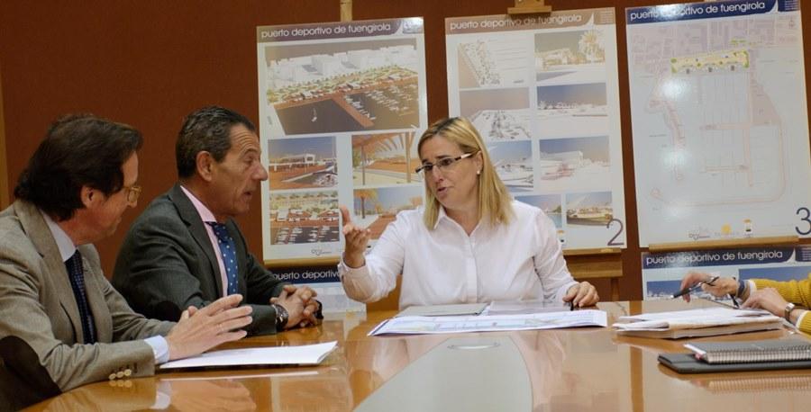 Fuengirola Fuengirola La alcaldesa y el gerente de la APPA mantienen una reunión de trabajo para avanzar en el proyecto de reforma del puerto de Fuengirola